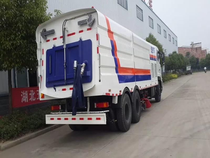 国五东风多利卡D7洗扫车