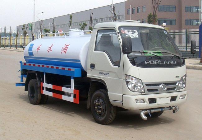 国五福田时代2.3吨绿化喷洒车